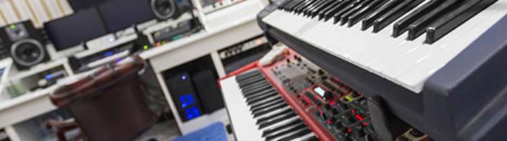 Roland и Nord Stage 2 — Вид на студию