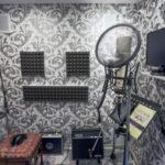 Микрофон Neumann, студия звукозаписи, запись вокала