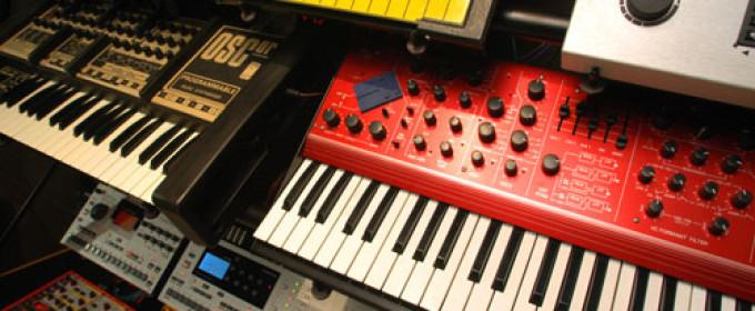 Клавишные инструменты — Синтезаторы