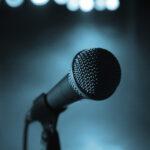 Микрофон на выступлении