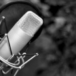 Микрофон и поп фильтр