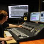 Работа на звукозаписывающей студии
