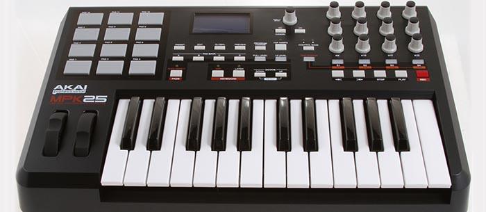 Миди-клавитура AKAI MPK25