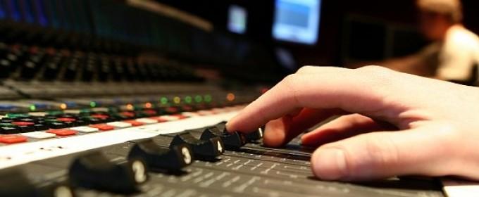 Работа на студии звукозаписи