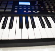 AKAI – Клавишные инструменты