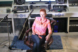 Лена Катина в студии ТопЗвук