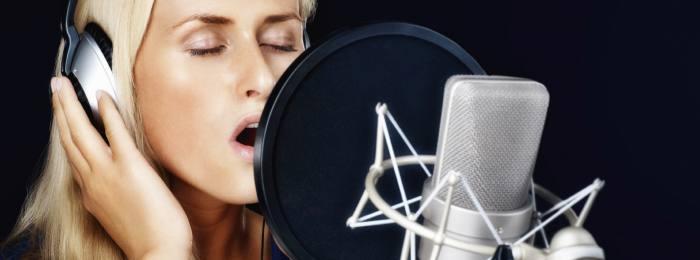 Закадровый голос