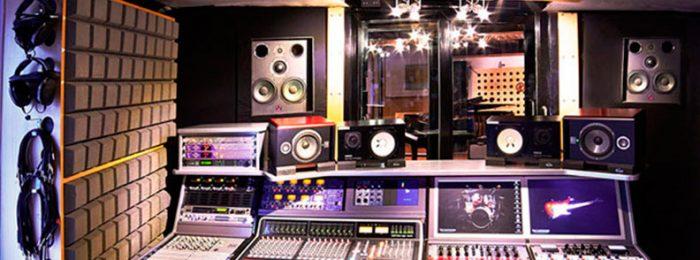 Большая студия звукозаписи