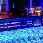Красивая студия звукозаписи